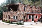 Boulder Adventure Lodge (A-Lodge)