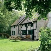 YHA Tanners Hatch - Surrey Hills